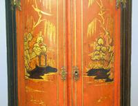 George II Japanned Bowfront Corner Cupboard (6 of 7)