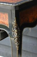 Fine Quality 19th Century French Ebonised & Amboyna Serpentine Sewing Table (19 of 21)