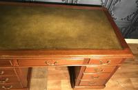Edwardian Mahogany Pedestal Desk (4 of 4)