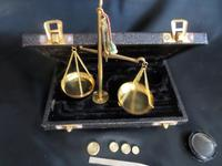 A Travelling Pharmacists (or Jewellers) Travelling Scales with some weights (6 of 6)