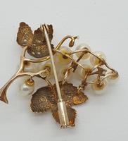9ct Gold Pearl & Diamond Vine Brooch (3 of 4)