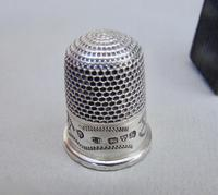 Cased George V Silver Thimble by Charles Horner, Chester 1911 (6 of 6)