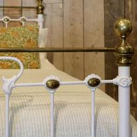 Late Victorian Brass & Cast Iron Antique Bed in Cream (3 of 5)