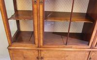 Quality Antique Walnut Display Cabinet (10 of 19)