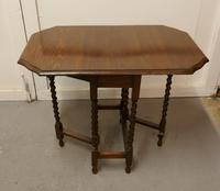 This is a Good Solid Oak Victorian Gateleg Table (7 of 7)