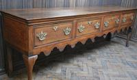Rare Georgian four drawer dresser base. (5 of 13)