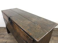 Early 18th Century Six Plank Oak Coffer (4 of 20)
