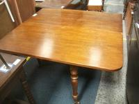 Large Gate Leg Dining Table (3 of 4)