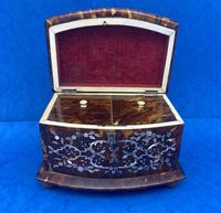 Victorian Tortoiseshell Tea Caddy with Mother of Pearl Inlay (4 of 20)