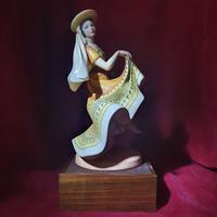 """Royal Doulton Figurine """"Dancers of the World - Mexican Dancer"""" with Original Custom Fitted Box and Certificate of Authenticity (4 of 9)"""