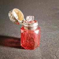 Edwardian Silver Mounted Scent Bottle (3 of 4)