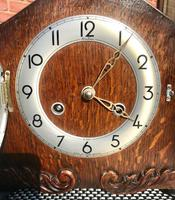 Immaculate Early 1950's English Striking Mantle Clock by Bentima / Perivale. (2 of 7)