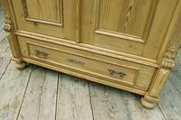 Fabulous Old Pine Cupboard / Double Wardrobe - Option of Shelves (8 of 11)