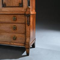 Late 18th Century Neoclassical Dutch Oak Linen Press of Wonderful Colour (4 of 6)