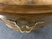 Queen Anne Burr Walnut Kidney Dressing Table (13 of 17)