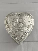 Large Victorian HEART Antique Silver Trinket / Jewellery Box 1898 W COMYNS (2 of 12)