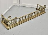 Superb Quality and design 19th Century Heavy Brass Fender (2 of 5)