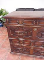 Country Oak 4 Drawer Chest of Drawers splits into 2 c.1670 (2 of 10)