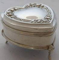 1909 Hallmarked Silver Love Heart Pill Earring Jewellery Box Arts & Crafts