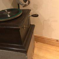 Vintage His Masters Voice Horned Gramophone (2 of 7)