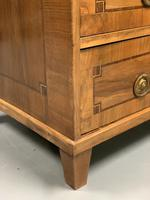 c18th Italian tulipwood and marquetry commode (7 of 11)