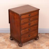 19th Century Small Mahogany Chest of Drawers with Extending Top (21 of 24)