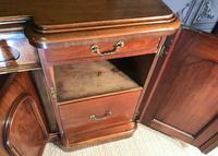 Victorian Mahogany Sideboard (9 of 17)