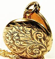 Hallmarked 9 Carat Yellow Gold Art Nouveau Locket