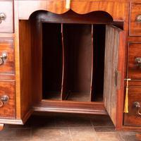 Mahogany Kneehole Desk With Brushing Slide (8 of 17)