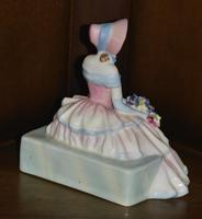 """Royal Doulton 1935 Porcelain """"Daydreams"""" Figurine (6 of 9)"""