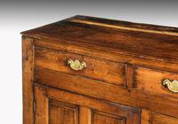 Late 18th Century Oak Dresser Base with Three Drawers to the Top (3 of 4)