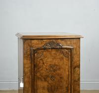 Fine Pair of Victorian Burr Walnut Bedside Cabinets (6 of 8)