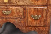 Fine Early 18th Century Walnut Lowboy Of Fabulous Colour (12 of 14)