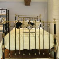 Highly Decorative Cast Iron Antique Bed in Black (3 of 9)