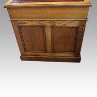 Victorian Oak Maple & co Pedestal Desk (10 of 11)