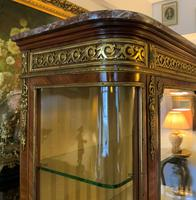 Exceptional 19th Century French Kingwood Parquetry Gilt Metal Vitrine Display Cabinet (11 of 17)