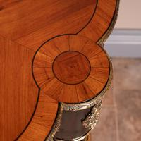 Fine Quality French Marquetry & Ormolu Mounted Occasional Table (15 of 24)