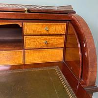 Superb Quality Victorian Antique Cylindrical Mahogany Desk by Maple & Co (6 of 12)