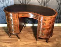 Edwardian Inlaid Mahogany Kidney Shaped Desk (3 of 21)