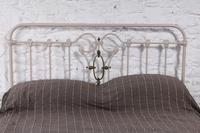 Very individual and fashionable king size bed (4 of 7)