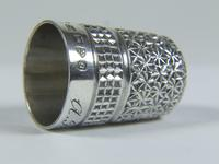 Victorian Charles Horner Solid Silver Thimble (5 of 6)