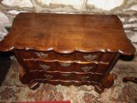 Dutch oak small chest of drawers. 18th century (6 of 9)