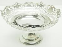 Antique Solid Silver Centre Piece / Fruit Bowl by Walker & Hall 521 grams c.1923 (5 of 6)