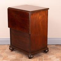 19th Century Small Mahogany Chest of Drawers with Extending Top (16 of 24)
