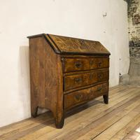 18th Century Italian Piemonte Walnut Serpentine Bureau (2 of 14)