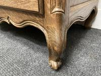 Stylish French Oak Chest of Drawers (9 of 18)