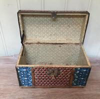 Colonial Dome Top Tin Casket (9 of 9)