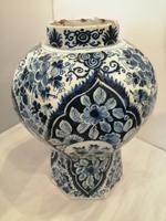 Superb 18th Century Dutch Delft Vase (3 of 10)