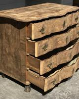Early 19th Century Bleached Walnut Commode Chest of Drawers (10 of 13)