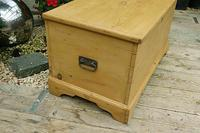 Fabulous & Restored Pine Blanket Box / Chest / Trunk / Coffee Table (4 of 9)